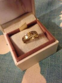 Beautiful 9ct 375 Yellow Gold Clogau Ring Size N