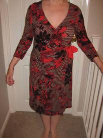LADIES 'FENN WRIGHT MANSON' DRESS.
