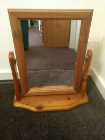 Wooden Dressing Table Tilting Mirror