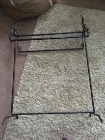 Black Metal towel stand