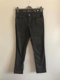 levis demi curve 28 inch waist Classic Rise Black Slim Leg