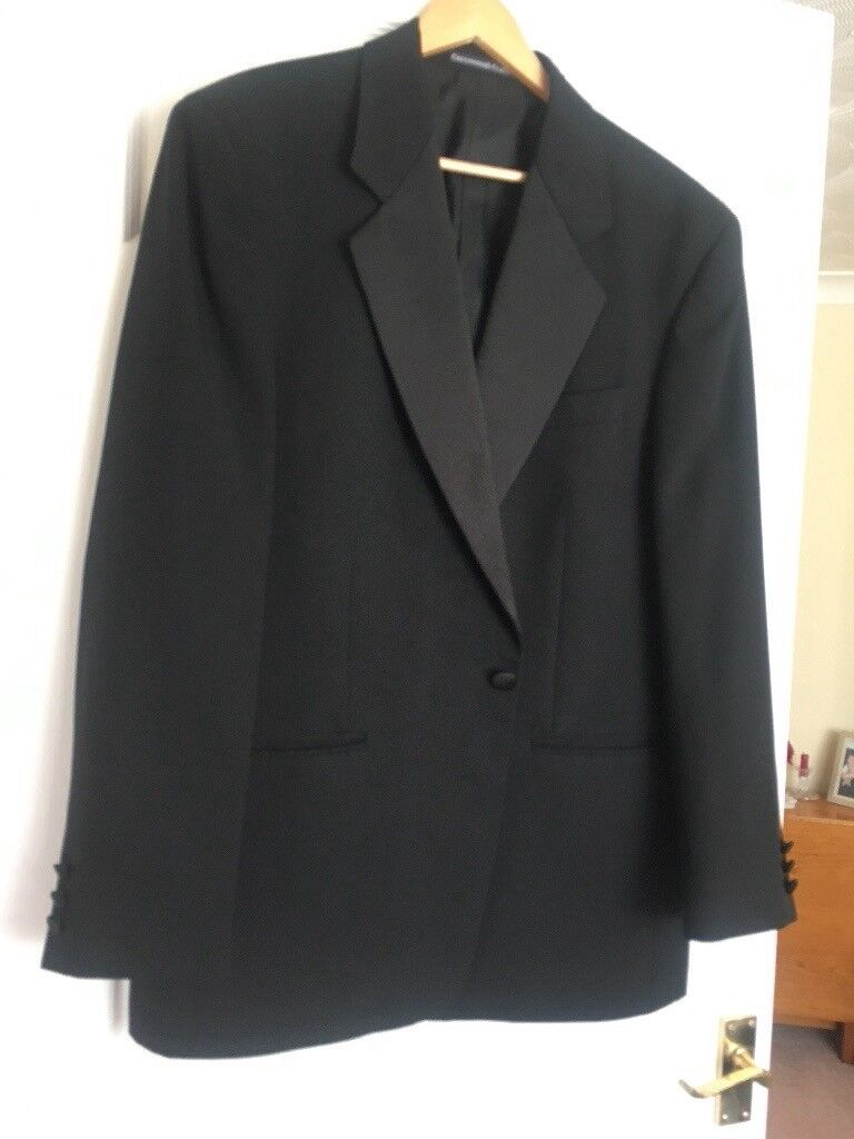 "MENS BLACK DINNER/EVENING SUIT - JACKET 42R - TROUSERS 38"" WAIST x 31.5"" INSIDE LEG - EXC CONDITION"