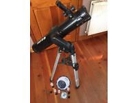 Motorised telescope with telescopic legs