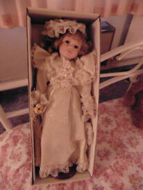 SELECTION OF COLLECTORS DOLLS ALL BOXED.