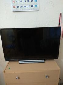 Toshiba 32 inch smart TV less than 6 months old in very good condition