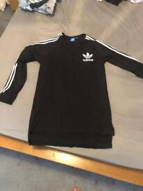 Men's long sleeve Adidas top,medium,like new condition