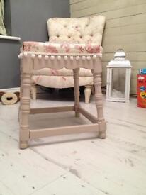 Set dining chairs shabby chic Laura ashley