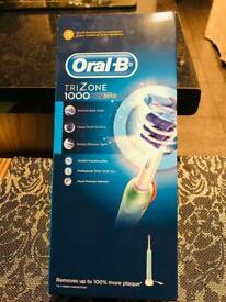 Oral-B TriZone 1000 Braun electric tooth brush