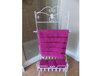 GREAT RETRO VINTAGE STYLE TOWEL RAIL GREAT FOR ANY BATHROOM