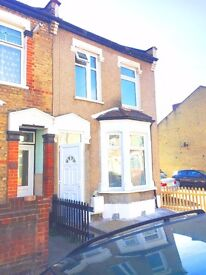 Brand new 4 Bedroom 2 bathrooms to rent In ilford - offered with brand new furniture!!