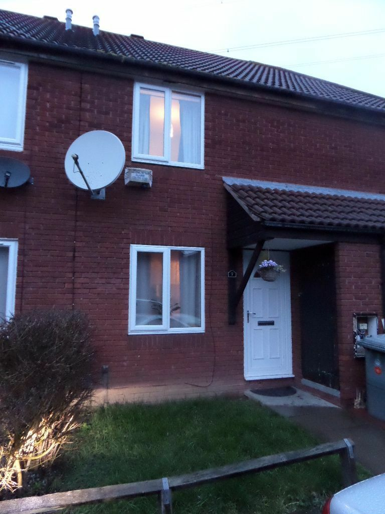 BEAUTIFUL TWO BEDROOM HOUSE IN BECKTON E6