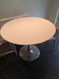 White gloss round kitchen table 1m in diameter
