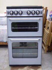 New World 500TSIDL Gas Cooker for sale. 2 years old. Good working order.