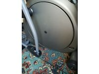 Vision Fitness Elliptical Cross trainer HRT X6200
