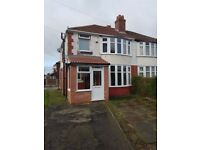 3 bed house, close to transport amenaties, double room's, students or professionals NO FEES