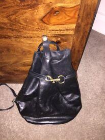 Ladies leather back pack in black