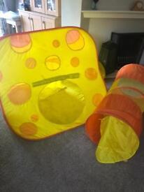 Children's pop up play tent