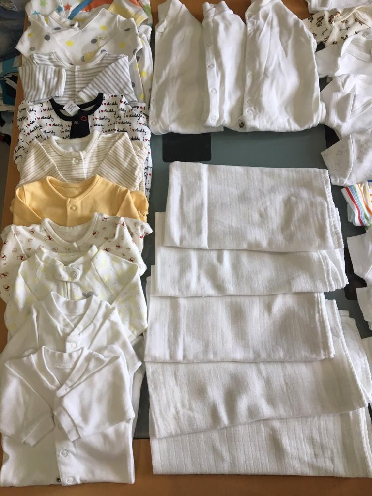 Unisex baby clothes bundlein Donaghadee, County DownGumtree - Excellent condition, newborn to 3 months. Clothes will suit boy or girl ❤️