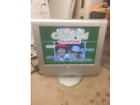for sale 4 older lcd widescreen tvs all working £20 the lot