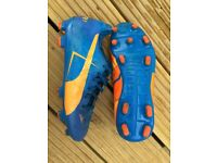 Puma Evopower football boots size 3