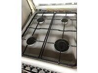 Cooker with gas hob