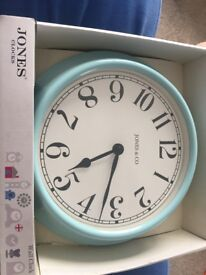 Jones&Co clock sleepy blue