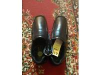 BNWT mens/boys size 7 black leather shoes rrp £19