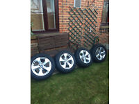 4 BMW alloys with tyres and tyre pressure sensors