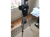 Meade telescope with tripod in very good condition hardly used with instructions