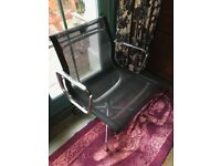 Black Mesh Office Chair with Chrome Base and Arm rests