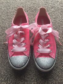 Converse Pink size 5.5 Like New