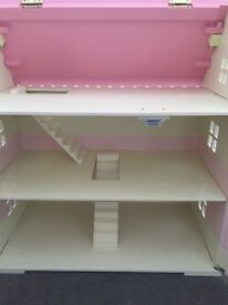 Early learning Rosebud dolls house