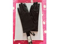 Ladies black leather gloves - Size small - Brand new - Driving gloves