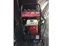 Honda GX120 petrol pressure washer 200 bar. 2940 psi