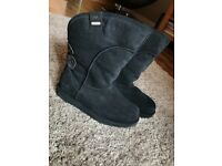 Never been worn ladies black emu boots - says USW7 believe it's a UK 5 - unwanted gift