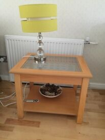 Coffee table /lamp table