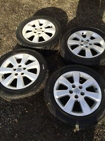 Full set of Vauxhall alloy wheels 5 stud very good condition