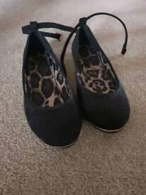 Black Flat Ankle Strap Shoes size 6