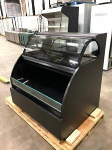 Refrigerated Pastry Display Case/ Grab and Go Cooler