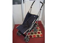 Navy lay-back buggy with leg support