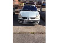 Renault Clio SPARES OR REPAIRS. head gasket and can belt gone selling as can't afford to fix.