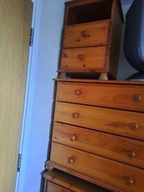 4 drawers pine chest
