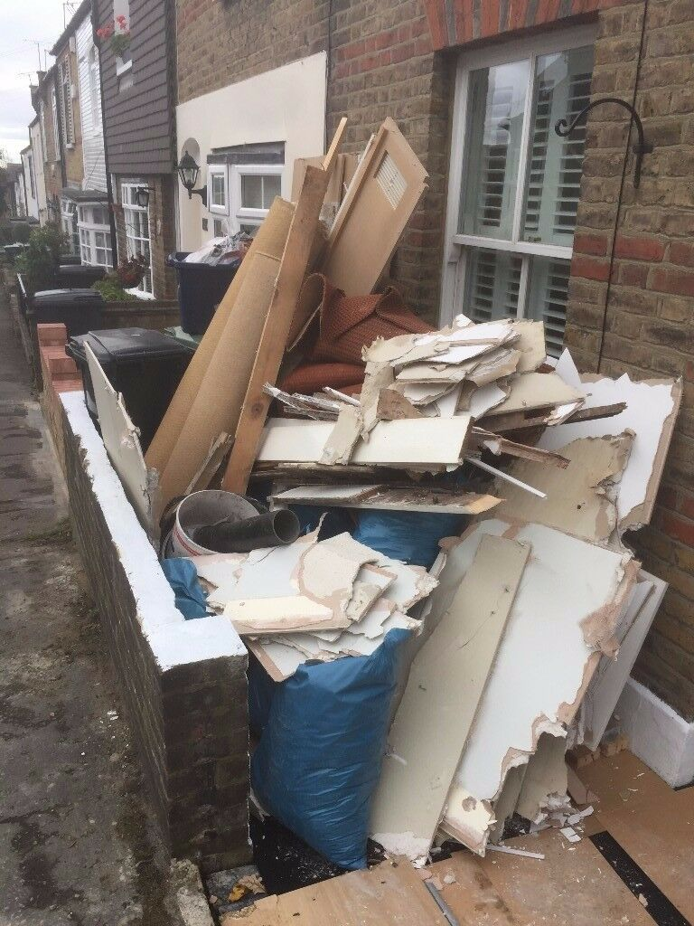 CHEAP RUBBISH REMOVAL ALL OVER LONDON: HOUSE GARDEN BUILDERS
