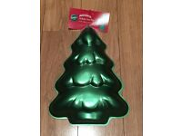 Christmas Tree Cake Tin/Baking Pan (BRAND NEW)