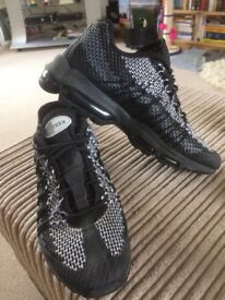 Air Max 95 Flyknit size 7
