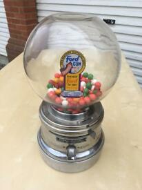 Bubble gum machine vintage