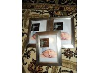 "3 x picture frames size 6"" X 4"" in brand new condition"