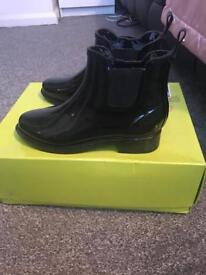 Ted baker Chelsea boots size 4