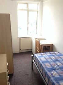 Single bedsit available in Bexleyheath Town Centre