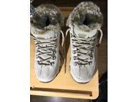 Skechers Women's Beige Furry Boots Never Worn 5